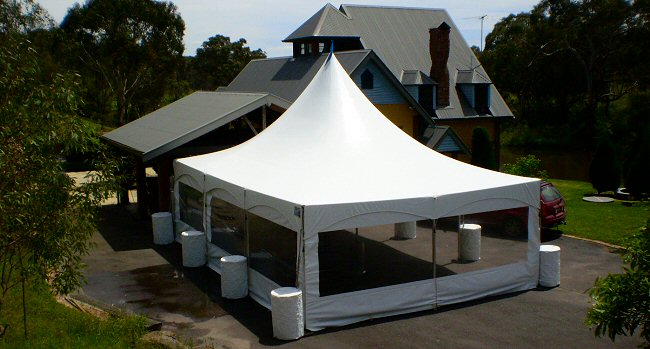 Matrix-Marquee Triangle Tent