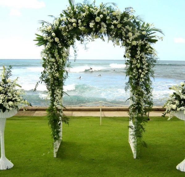 White Wedding Arch Hire_01