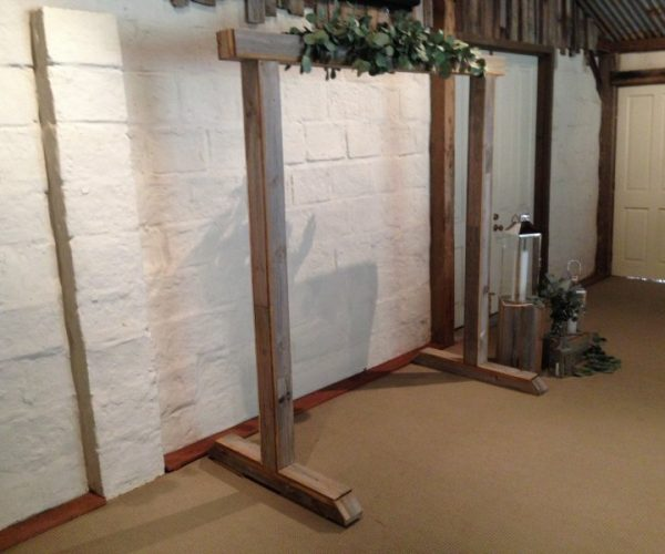 rustic timber arch hire _02